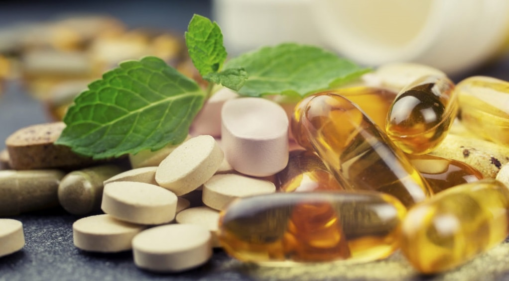 Pills-supplements-and-herbal-teas